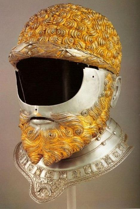 Парадный шлем короля Франции.